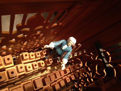 #TinyBach inside the organ 64K jpeg