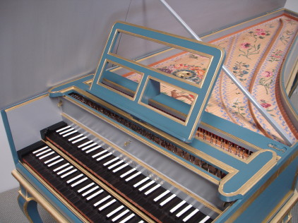 Oman French Double harpsichord continuo music desk 52K jpeg